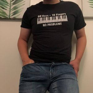 Other - Piano humor graphic tee.